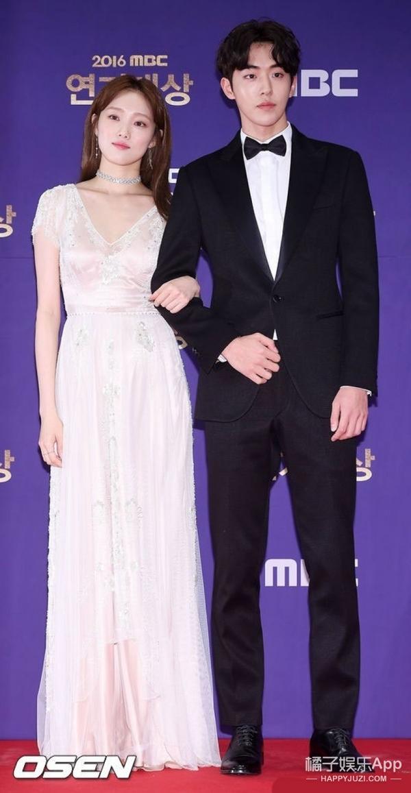 三大颁奖礼集齐了最火韩剧CP党,原来这个画面能美成这样啊!