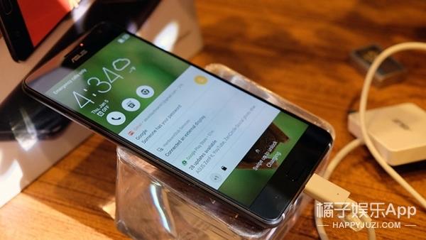 上手华硕ZenFone VR,8G+256G+AR+2300万像素+Tango+DaydreamVR……