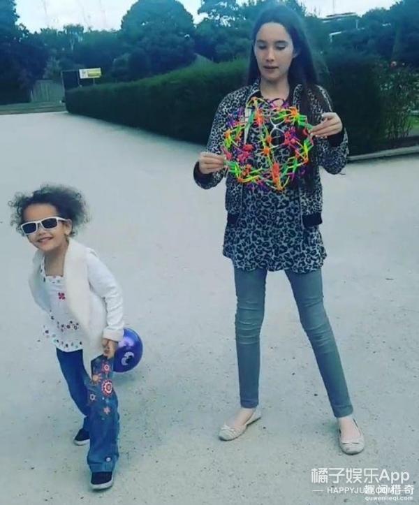 英国最高姐妹花,妹妹3岁1米1,姐姐11岁1米7