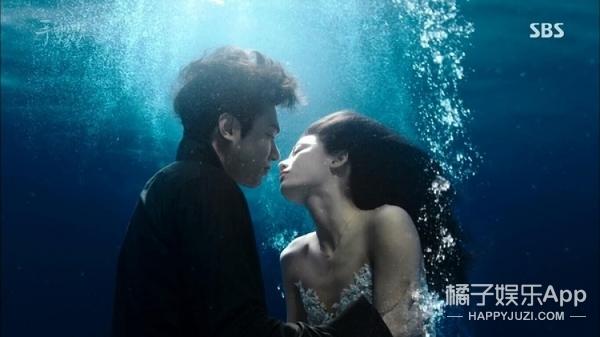 胡冰卿、范世琦演绎跳板上的爱情,国产青春剧盯上泳池了?