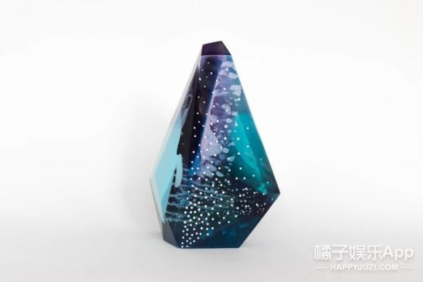 小小香水瓶,不仅外形如宝石,肚里竟然还有个小宇宙!