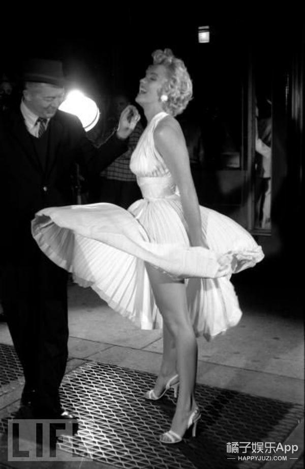 梦露被大家玩坏了!裙子飞上天、每一次被吹都那么经典!