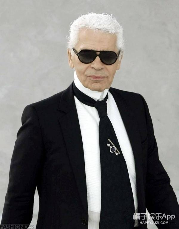 83岁老佛爷第一次公开私人护肤箱了!原来他爱用这些面霜和香水!