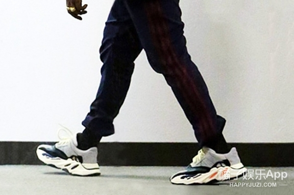 侃爷又来抢钱了!全新Yeezy鞋型曝光,预计又要贵出尿!