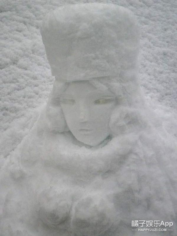 把雪人都堆出了个性,岛国人民就是会玩
