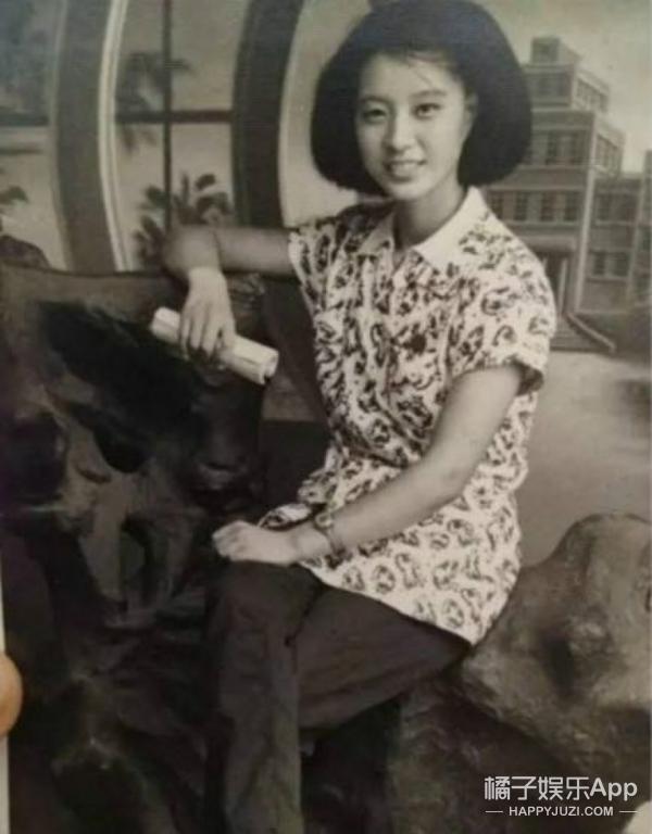 范冰冰与超帅老爸同台,其实她家颜值最爆表的是她奶奶!