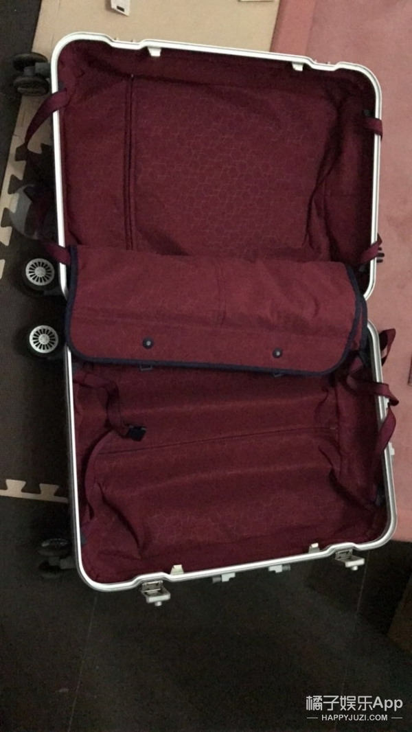 电视剧中女主一个箱子走天下,可它真的能装下整个衣柜吗