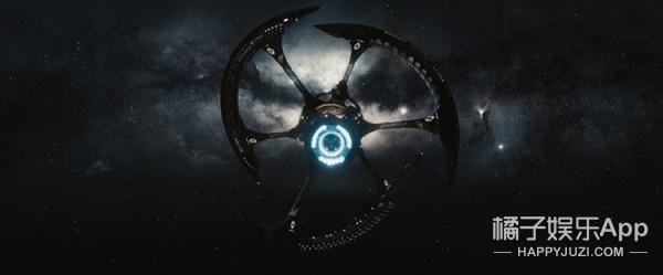 同样是飞船,《太空旅客》如同七星级酒店,《降临》朴素得像鹅卵石!