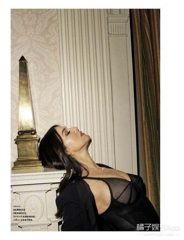 莫妮卡贝鲁奇登意版GQ,53岁还如此性感,老天对她太好了!