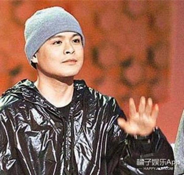 曾是香港乐坛奇迹,后来暂别乐坛,如今侧田站在了《歌手》的舞台