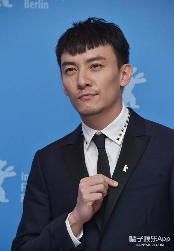 张震柏林电影节大放异彩,男神的新发型不仅减龄还很呆萌!