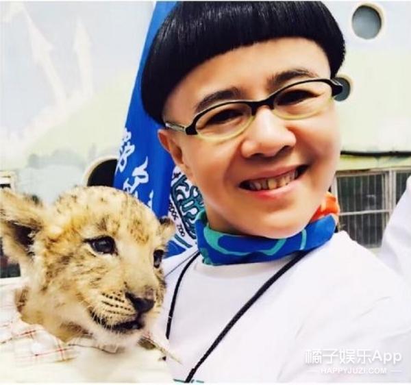 """""""金龟子姐姐""""刘纯燕女儿的照片曝光,现在的她竟然长这样...."""