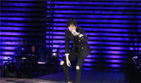 薛之谦终于发新歌了,《高尚》掀人气热浪