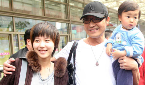 马景涛与妻子吴佳尼结束10年婚姻 昔日恩爱瞬间成往事