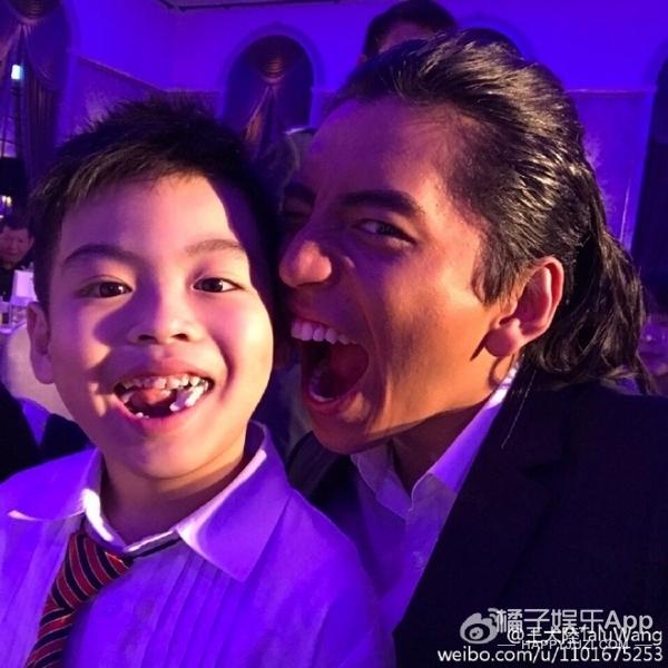 王大陆、李沁演绎狼少年的爱情故事,网友:确定不是鲨殿下?