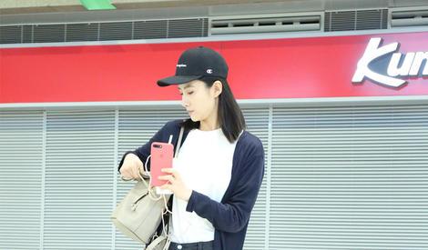 吴优街拍 清新装扮似邻家女孩