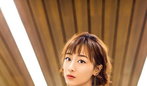 叶青初春街拍曝光  chic风演绎真帅美