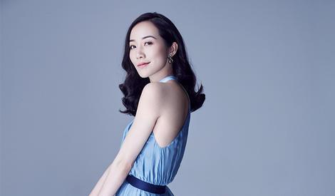韩雪典雅写真曝光 蓝色长裙上演锁骨杀