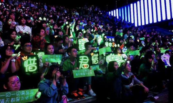 刘惜君空降心相印刚好Voice杭州站直播,与好声音学员开唱