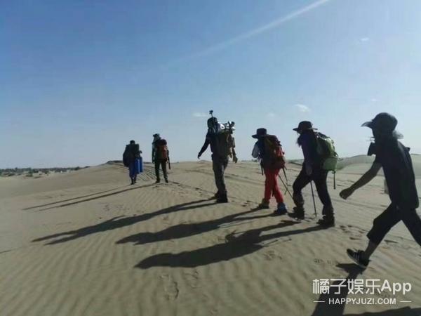 """徒步穿越百里沙漠,""""说做就做""""的Lean ln女生"""
