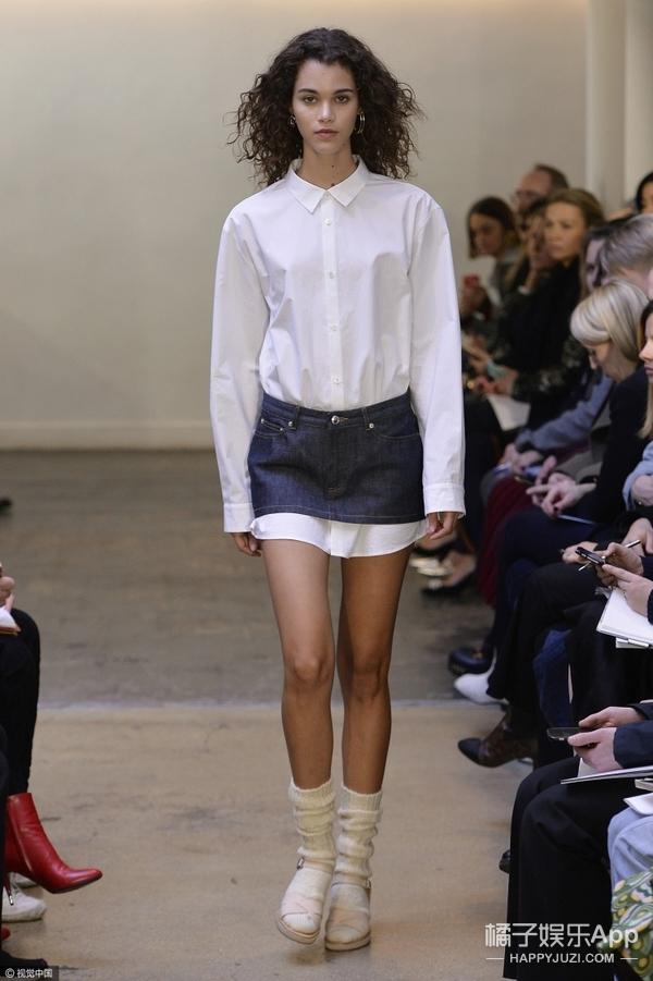 才不是裙子太短上衣太长!就是叠穿才够潮~