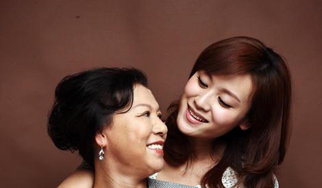 母亲节盘点:女星与妈妈同框的温馨时刻