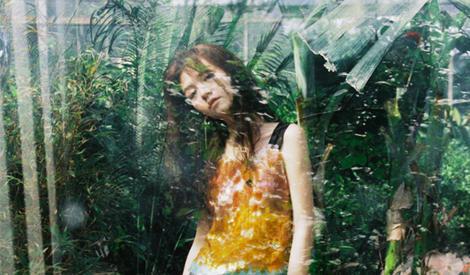 春夏化身灵动少女 梦幻写真很撩人