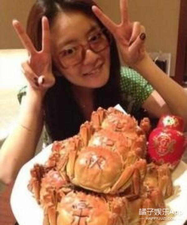 爱吃到过敏、怕螃蟹变瘦喂蛋黄,娱乐圈真正的吃货是这样的...