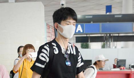 活力来袭,刘昊然戴着口罩仍然帅翻你