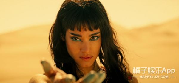 原来这只《新木乃伊》,不仅演过刀锋女,还是麦当娜御用伴舞!