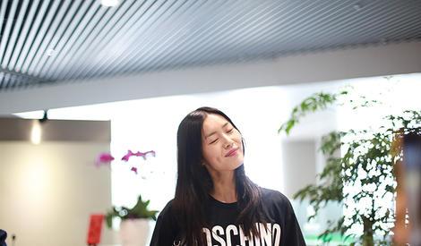 撩发、微笑、侧颜杀,我喜欢的样子刘雯都有
