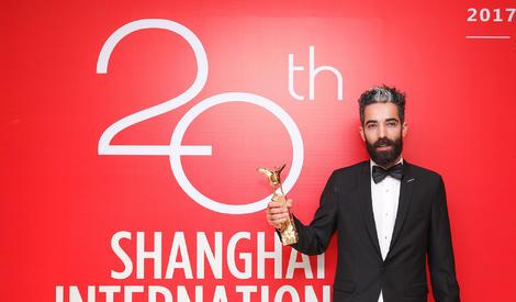 第20届上海电影节:黄渤夺得影帝,领衔获奖嘉宾拍写真