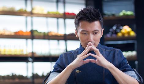 谢霆锋新人设:明星中厨艺最好、厨师中颜值最高