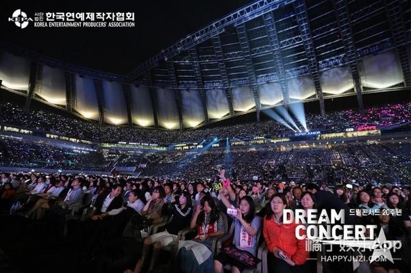 我们采访了几位韩国留学生,发现在韩国追星的体验是这样的...