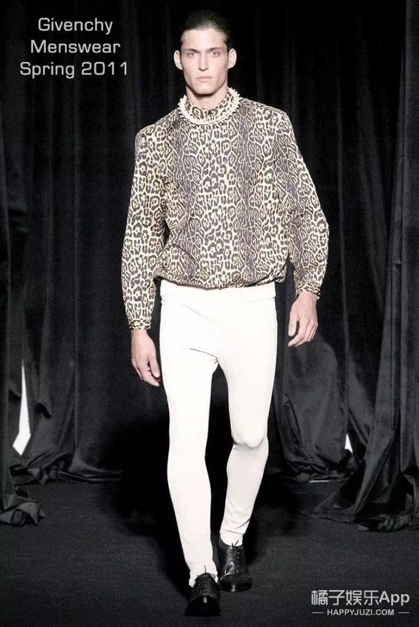 相声界最会穿衣服,时尚界最会说相声的撞衫一霸——郭德纲!