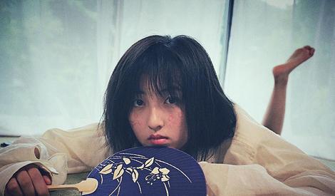 """张子枫一人分饰""""没头脑""""和""""不高兴"""""""