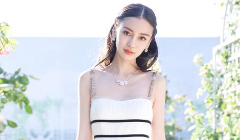 谁说白色太单调?Angelababy白裙穿出清新感