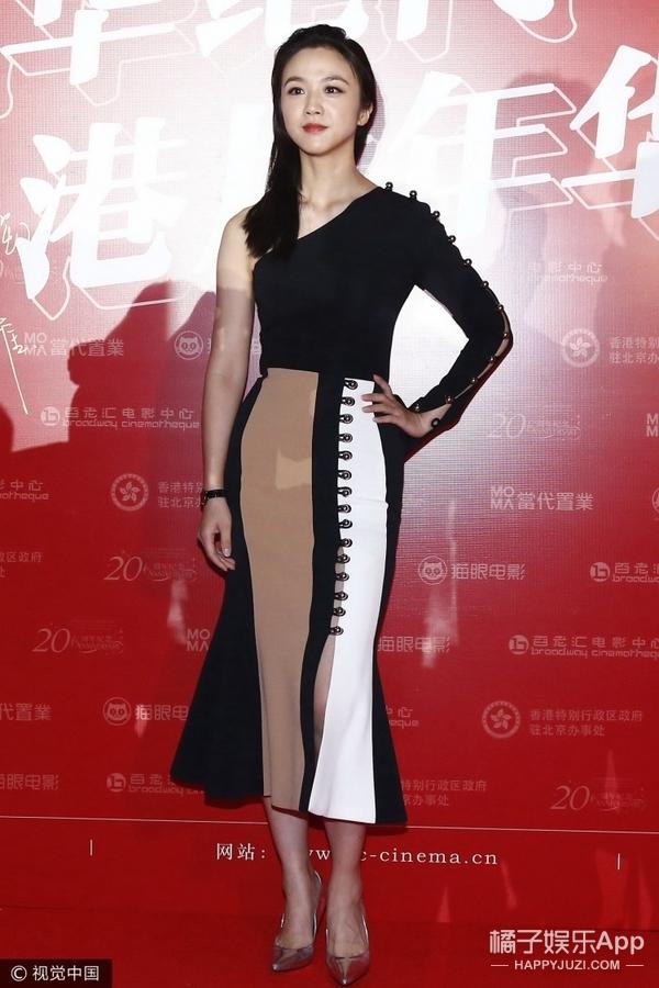 女神汤唯身穿鱼尾长裙展现曼妙身材曲线,美的让你离不开眼!