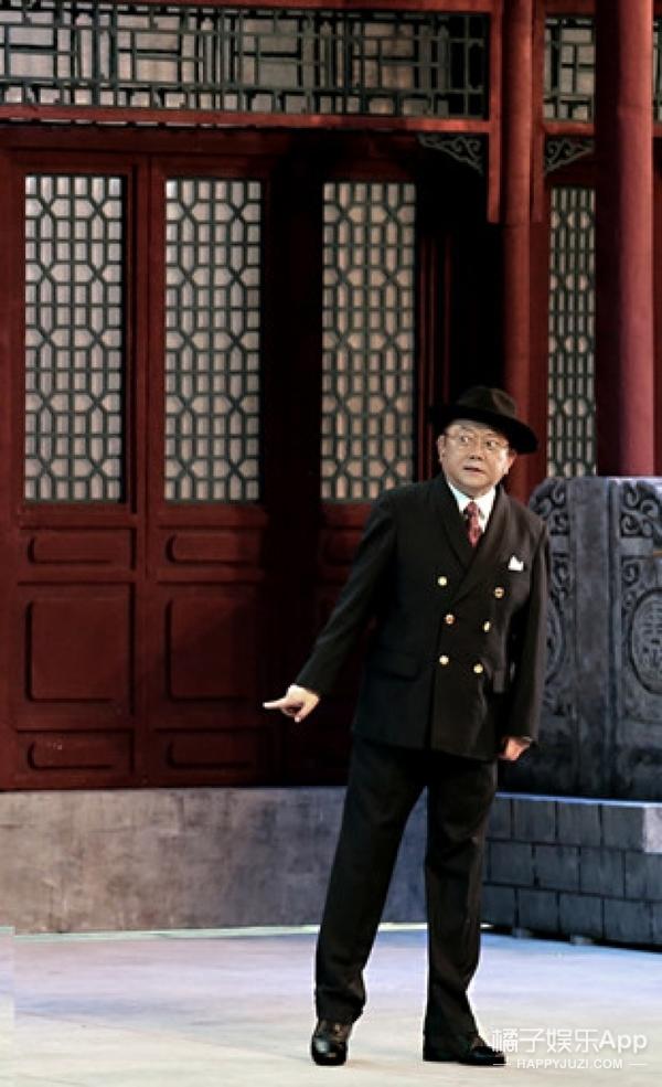 话剧《断金》京城首演,老北京东安市场里观一场欲望成败