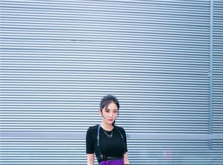 杨幂紫色长裙气场全开 美腿若隐若现风情万种