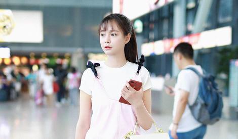 """小心机~唐嫣周冬雨的系带裙自带妩媚更""""斩男"""""""