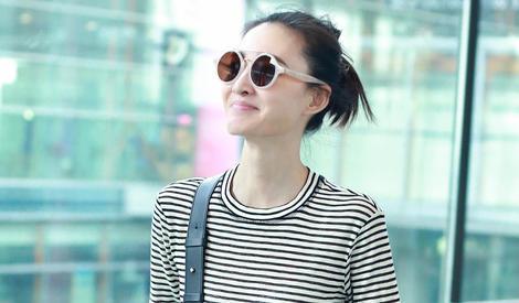 王丽坤懒理与林更新绯闻,手舞足蹈超开心