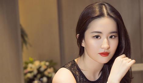 神仙姐姐刘亦菲的大波浪发型好看吗