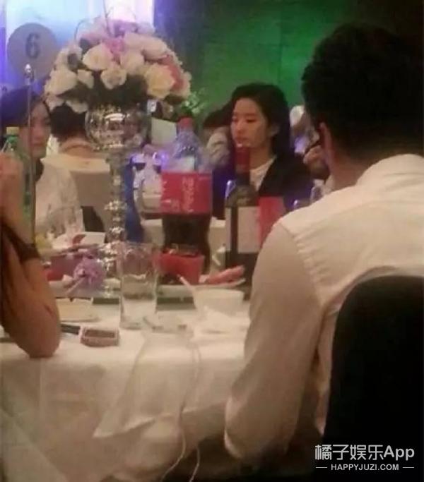 孟佳、洪辰、郑云灿...刘亦菲的朋友圈真是迷一样的存在