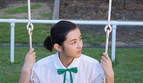 张子枫化身日系清新美少女