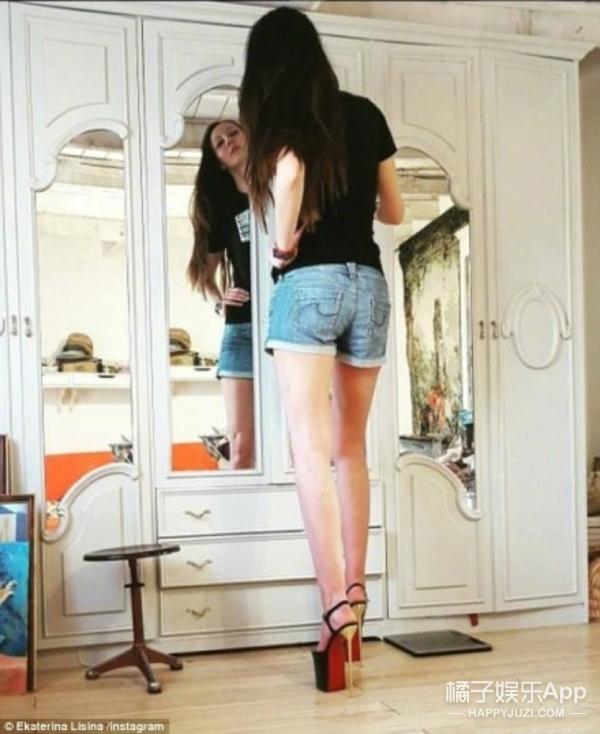 """""""世界第一腿长小姐""""诞生...132cm的大长腿就问你怕不怕"""