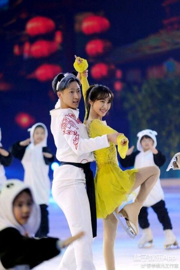 李菲儿恋情疑曝光,男方是冰舞运动员,二人还一起参加过综艺