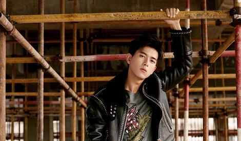 李现演绎叛逆型男 ,依然是那么帅