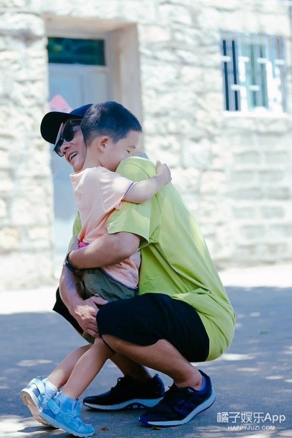 和陈小春聊微信,他说Jasper长得丑,还爆料儿子更怕妈
