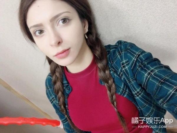韩国女团第一位美女白人出现,这下子想脸盲都现场美女扣图片
